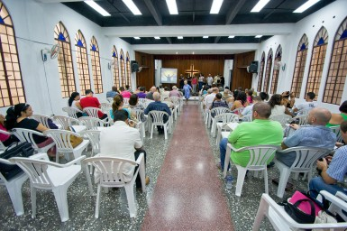 The Los Pinos Nuevos congregation worshipping together one Sunday morning in Havana