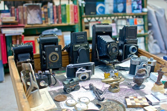 Vintage cameras like these are commonly seen in Cuba. Sellers claim they still work like new.