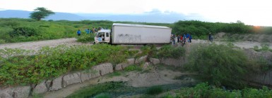The truck stuck in a ditch. (Click to see a larger version of the panorama)